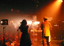 SINGO2-LIVE.jpg