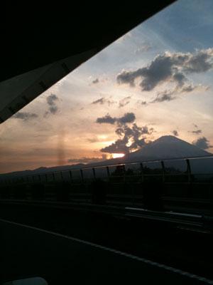 YUUYAKE-FUJI-IKI.jpg